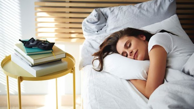 Τελικά πόσες ώρες πρέπει να κοιμόμαστε σύμφωνα με τους ειδικούς;