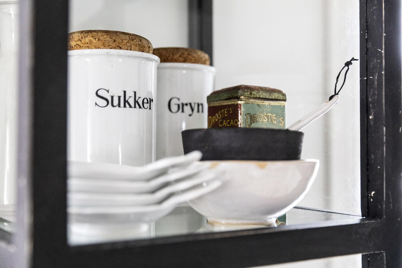vitriini, kaappi, diy, keittiö, sisustus, sisustaminen, visualaddict, visualaddictfrida, valokuvaaja, Frida Steiner, interior inspiration, finnishhome, scandinavian home