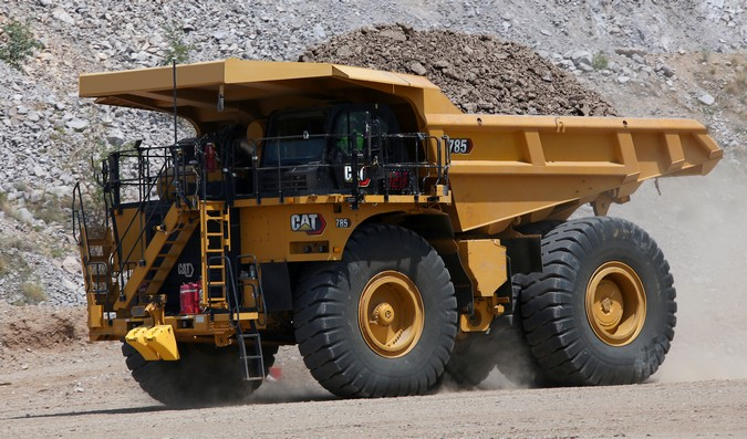 CAT 785: Caterpillar apresenta primeiro modelo da nova geração de caminhões de mineração