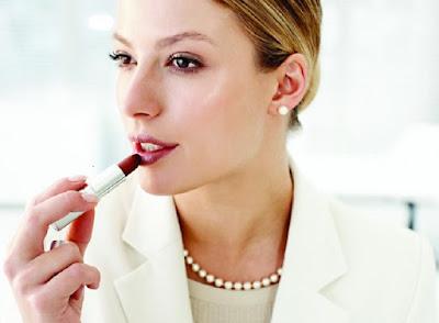 Kebiasaan Yang Membuat Bibir Pecah-pecah
