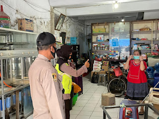 Tingkatkan Operasi Yustisi, Polres Pelabuhan Makassar Bagikan Masker di Tempat Keramaian
