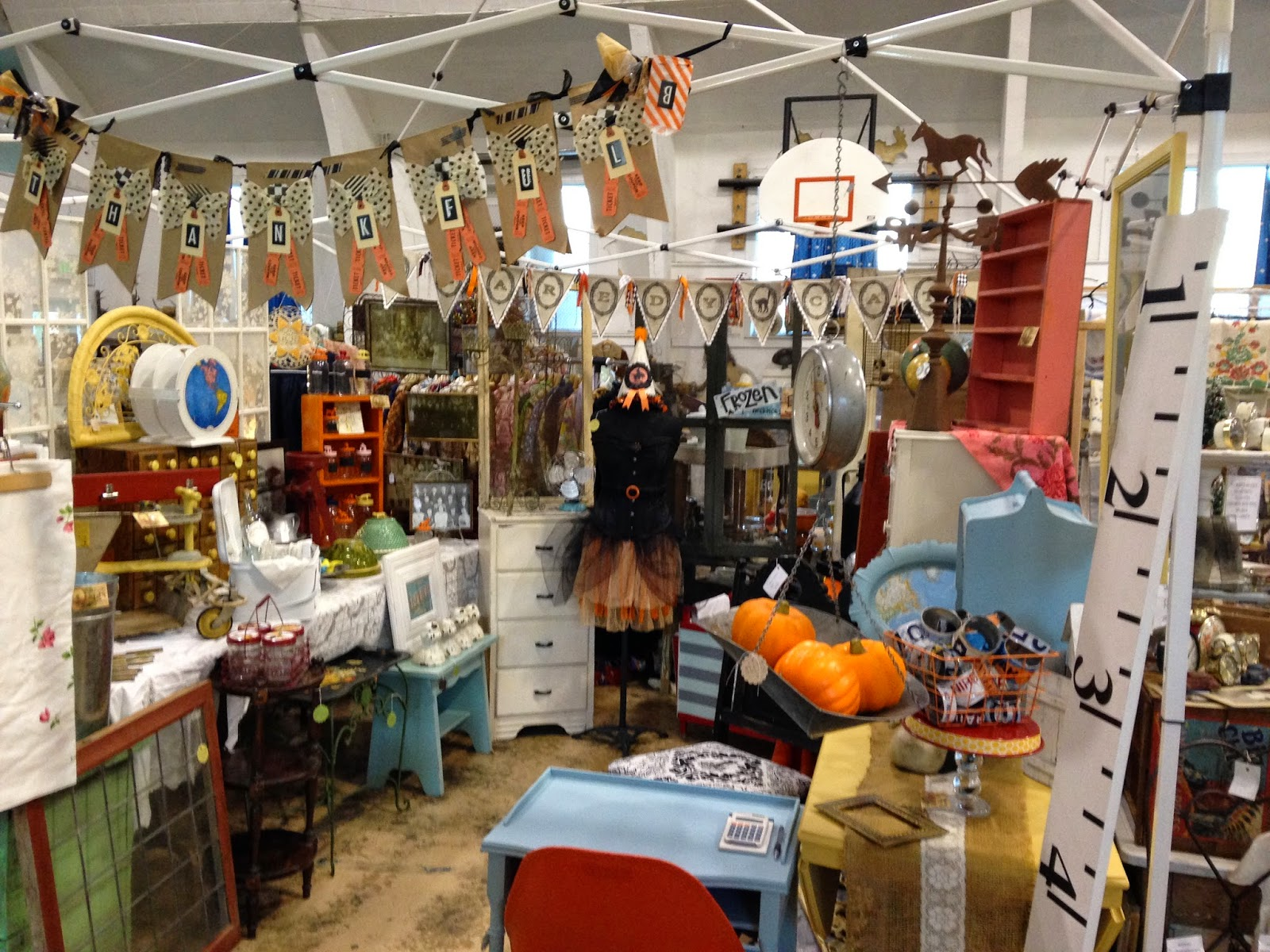 Pollyanna Reinvents: Great Vintage Booth Displays at 3