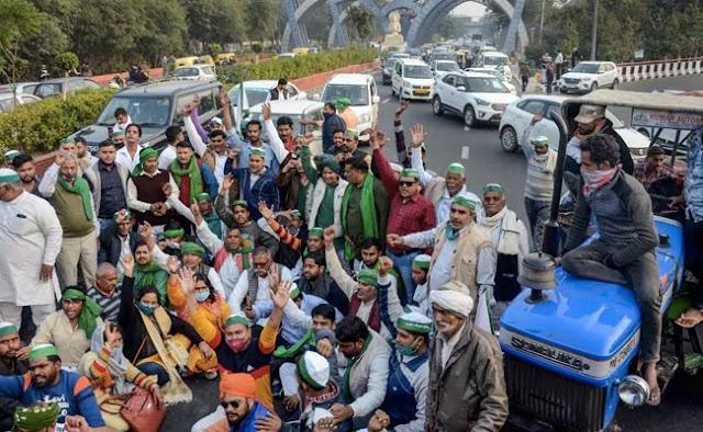 दिल्ली-नोएडा रूट की सीमा के रूप में यूपी के किसान विरोध प्रदर्शन करते हैं
