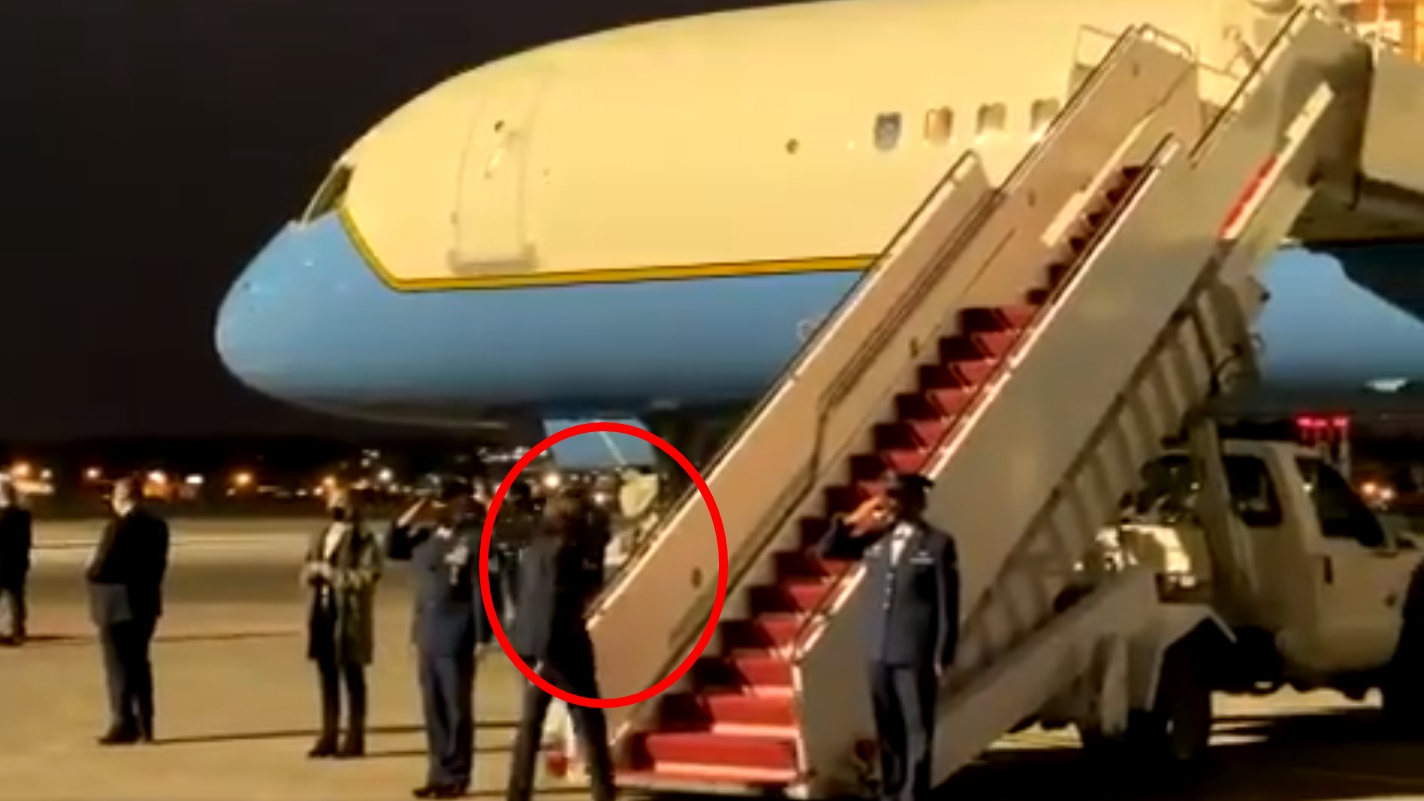 VP Harris repeatedly fails to salute military on Air Force Two, breaking with precedent