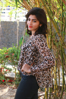 Tamil Actress Sai Dhansika at Vizhithiru Movie Press Meet Stills  0004.jpg