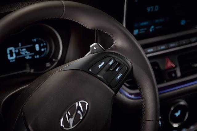 Novo Hyundai HB20X 2020 - interior - piloto automático
