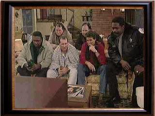 Al Bundy schaut Fernsehen