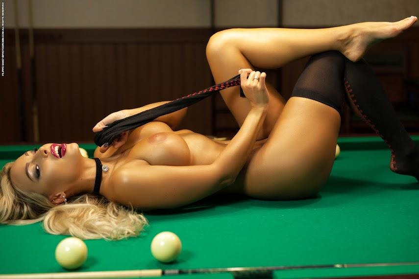 [PhotoDromm] Maria - Billiard Balls