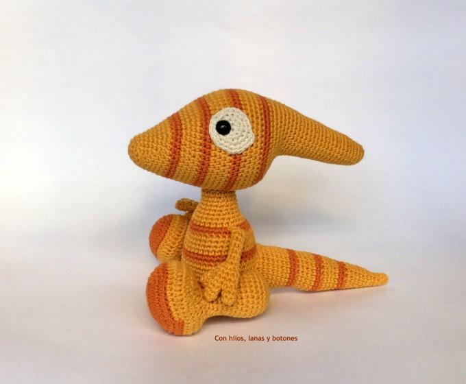 Con hilos, lanas y botones: Paula the Parasaurolophus amigurumi