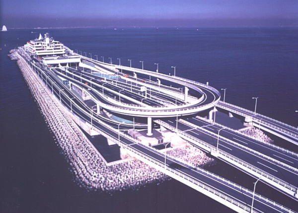 Μια μοναδική γέφυρα-υποθαλάσσιο τούνελ που εντυπωσιάζει! Δείτε το λόγο που κατασκευάστηκε (Βίντεο)