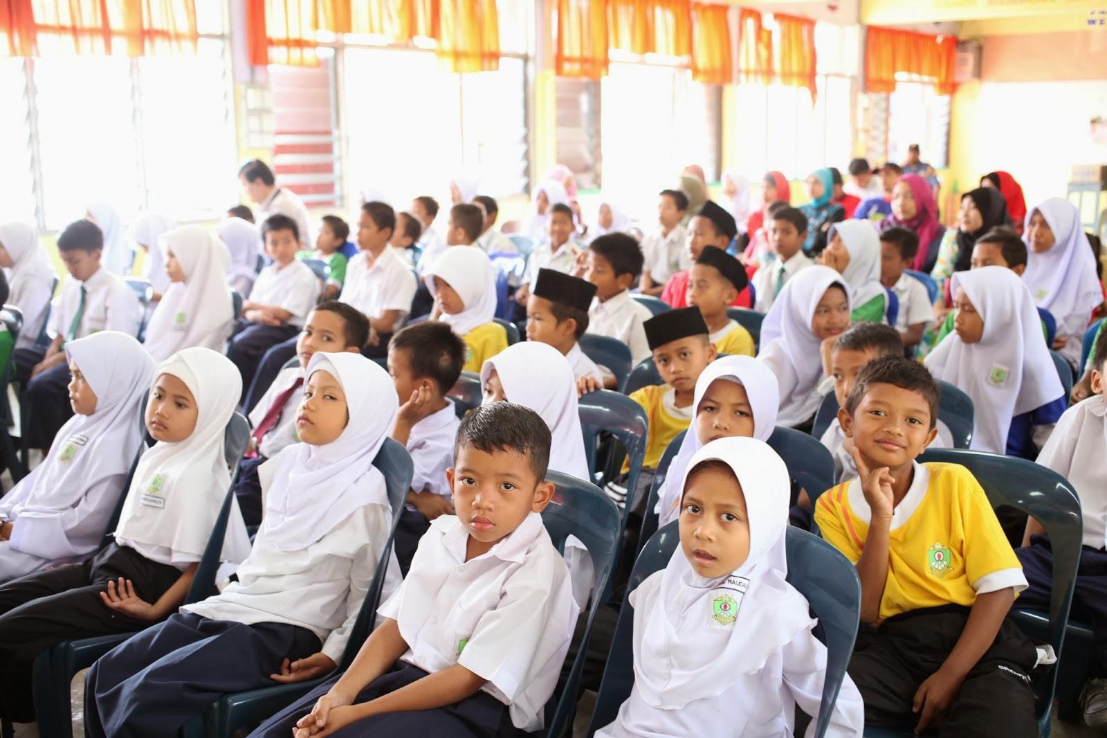 SK SEKUDAI BATU 10 Majlis Sumbangan Kepada Anak Yatim dan