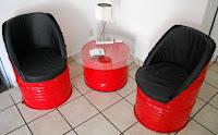 mini sillones realizados con tanques reciclados