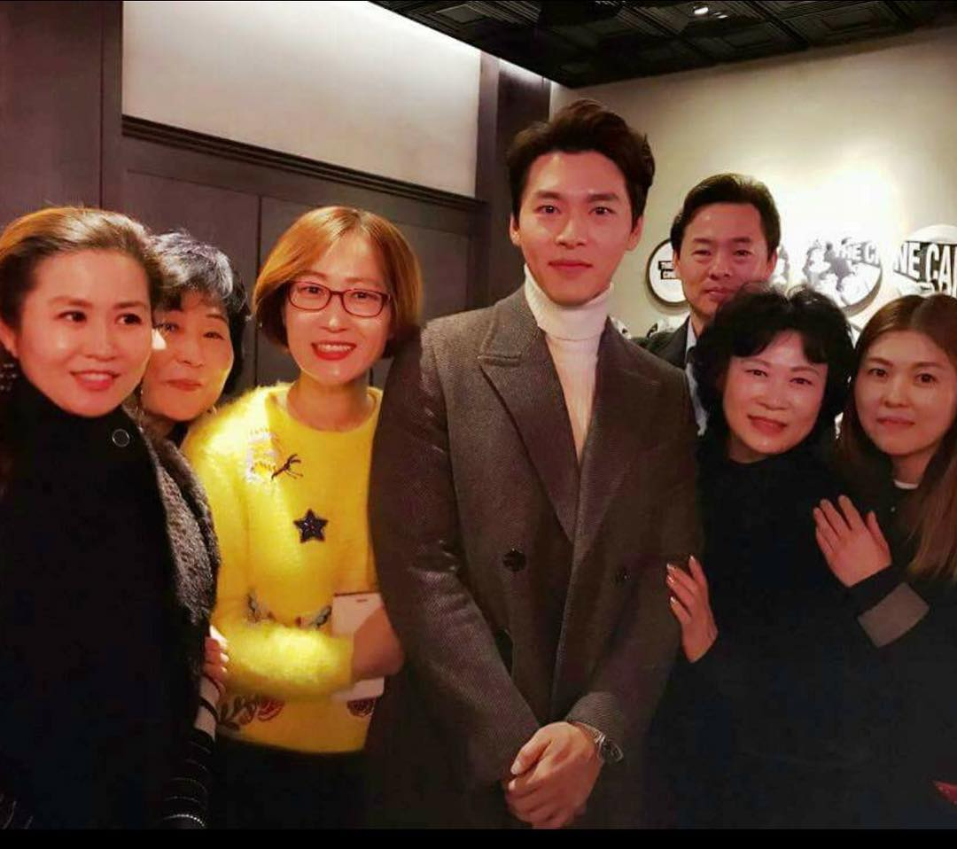 Hyun Bin with Ha Ji Won mother at Life Risking Romance VIP Premier