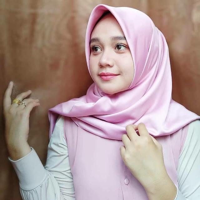 Koleksi Gadis Tudung   Muslim beauty, Girl hijab, Muslimah