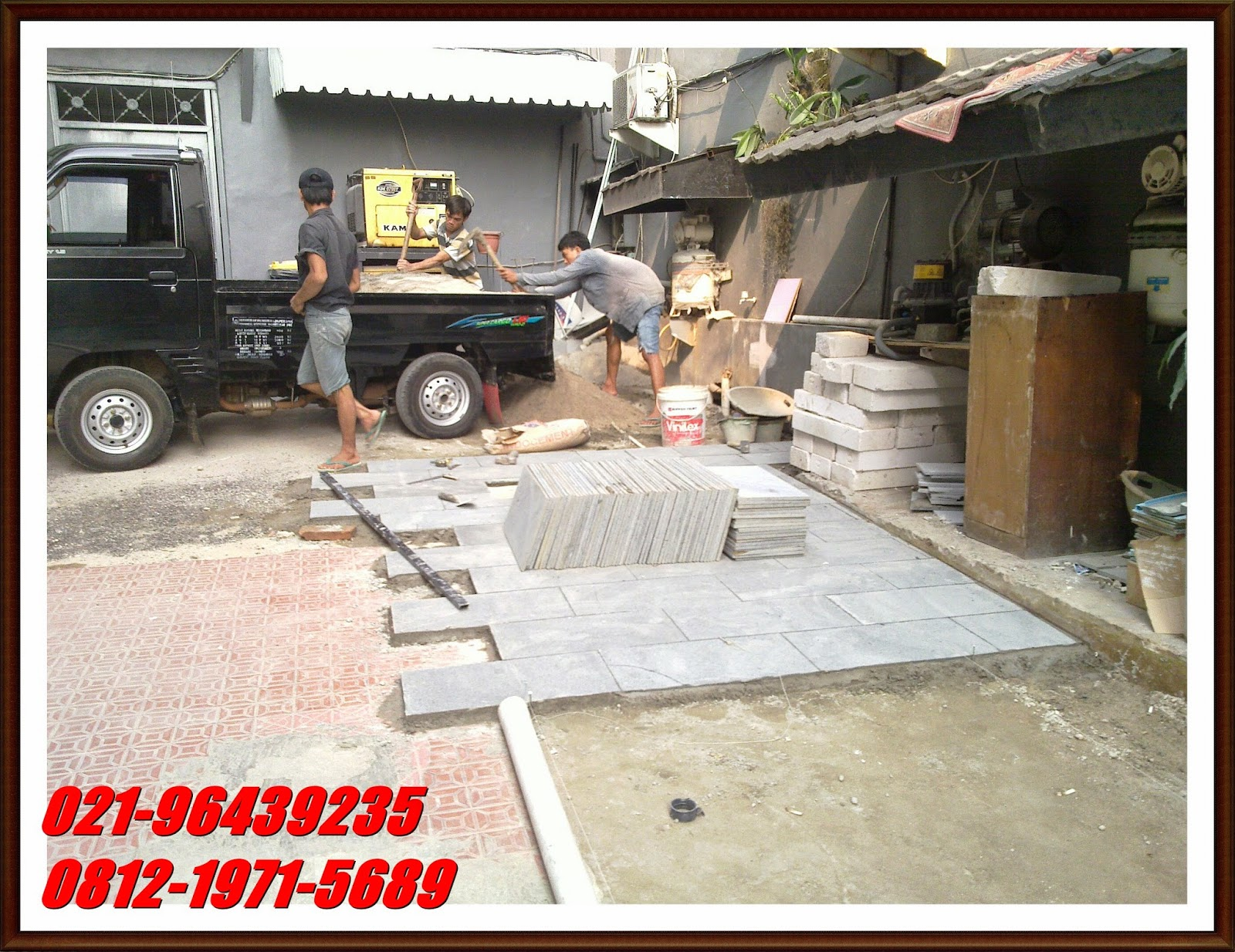 pemasangan lantai batu andesit - berkah taman