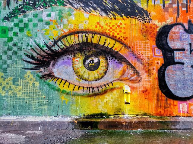 Melihat Street Art Yang Menarik