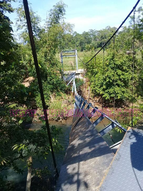 Belum Dioprasionalkan, Proyek Jembatan Ratusan Juta Diduga Milik Anggota DPRD Way Kanan Ambruk