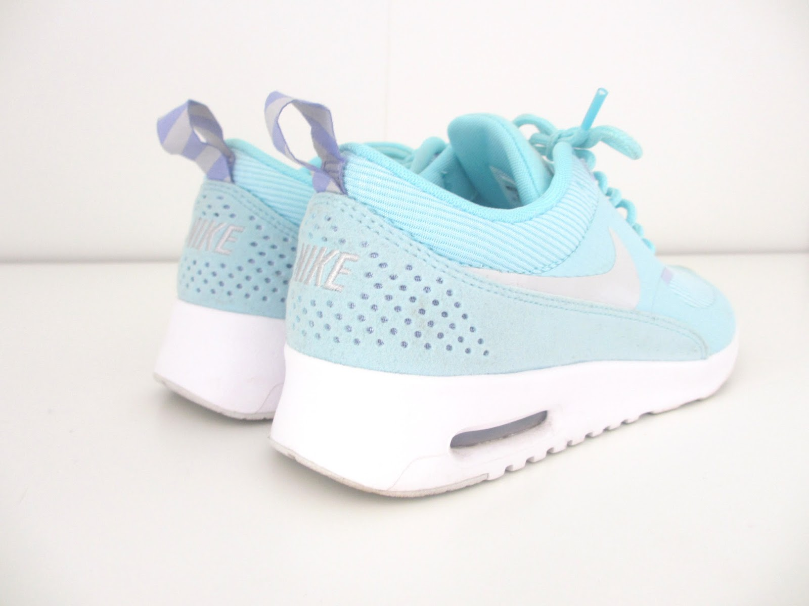 Featherwings: Nike Air Max Thea