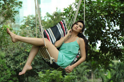 Hunting model cantik kennova prawesty Hunting model cantik kennova prawesty semarang