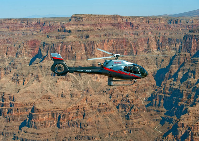 Fazer um tour de helicóptero no Grand Canyon