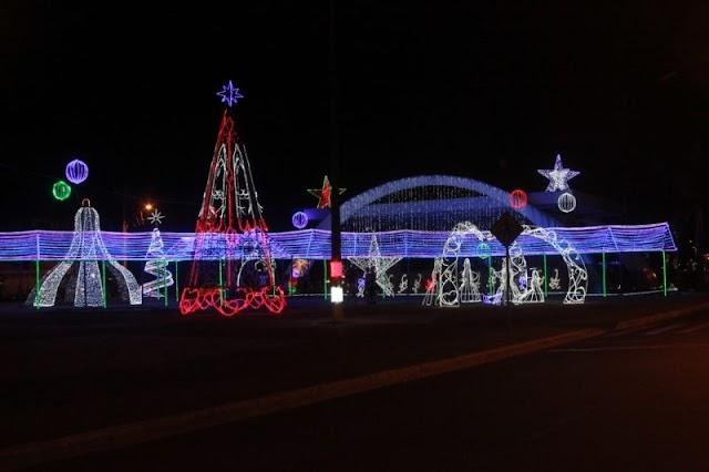 Senador Canedo: Decoração marca chegada das festas natalinas e moradores concorrem a descontos no IPTU