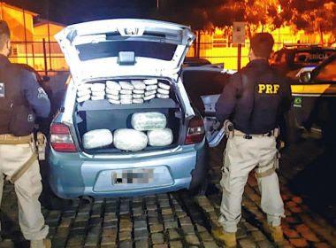 Santa Bárbara - BA: PRF flagra casal com mais de 35kg de maconha escondida no veículo