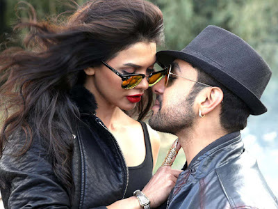 kissing-Sara-Loren-And-Adhyayan-Suman-Bollywood