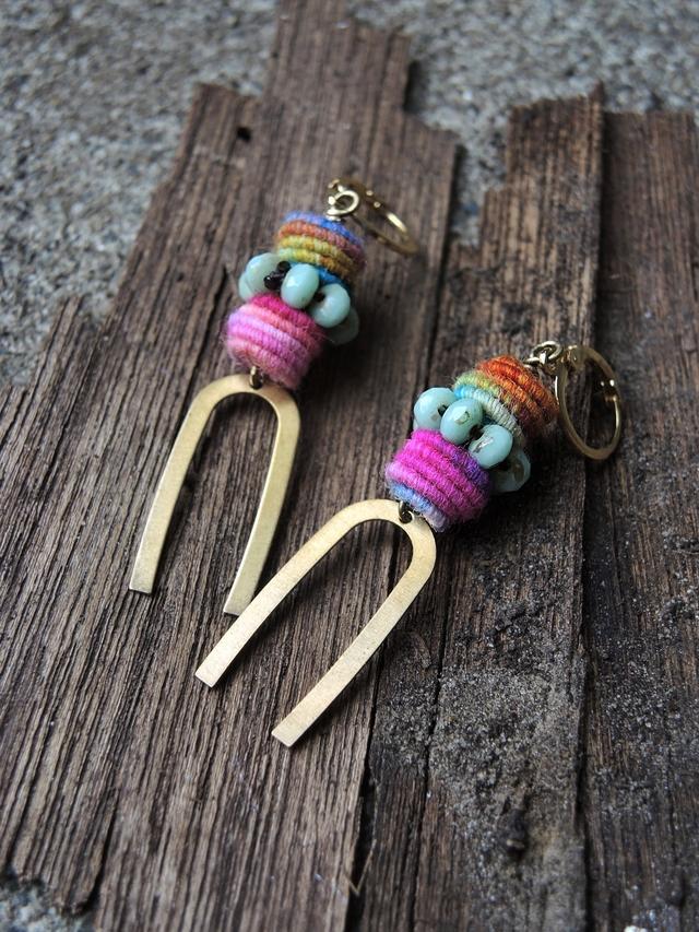 "DIY oorbellen/earrings ""Fluffy Rainbow"""