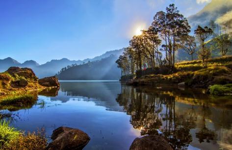Tempat wisata danau segara anakan di Lombok