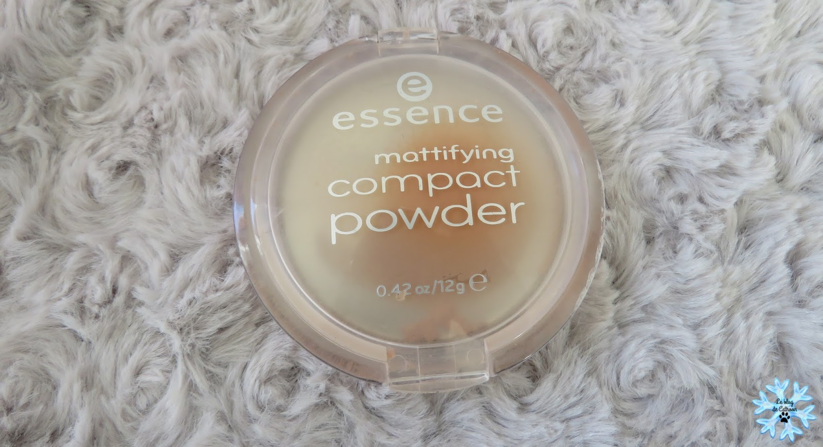 Mattifying Compact Powder - 02 Soft Beige - Essence
