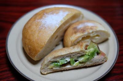 玄米粉パン専門店 ORiZA+パン食堂 やわらかくてふんわりして美味しかった