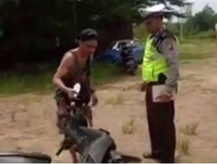 Ngaku Tak Salah Saat Ditilang, Pemuda Mabuk Ini Klaim Motor Nya Yang Salah