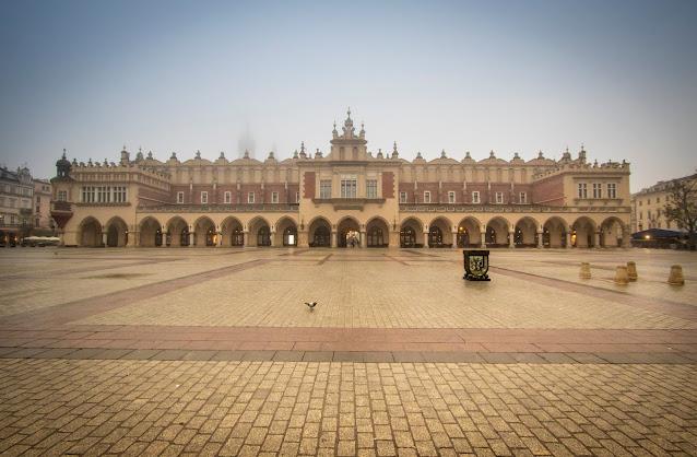 Fondaco dei tessuti-Rynek Glowny-Cracovia