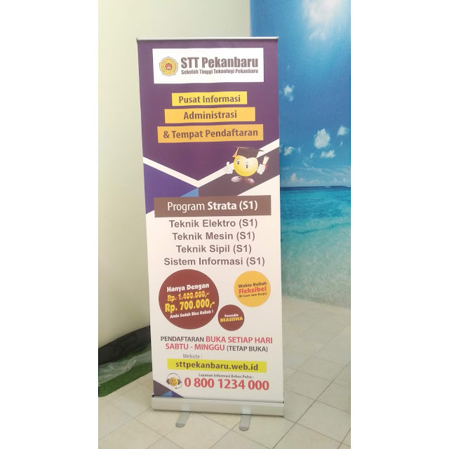 Roll Up Banner Promosi Kampus