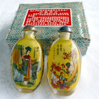 https://yingyujade.com/collections/whats-new/products/vintage-chinese-inside-painted-glass-bottles-of-2-beauties-of-red-mansion