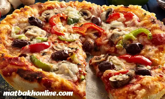 طريقة عمل أفضل بيتزا منزلية خطوة بخطوة