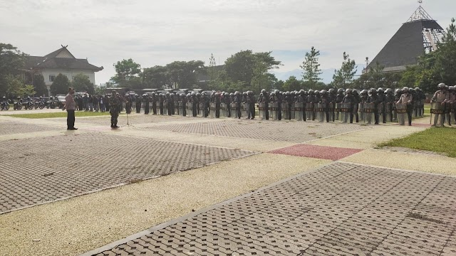 Latihan;  Gabungan PHH Raider 301/PKS  dan  Polres Sumedang Berhasil Bubarkan Demonstran