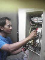 Tukang listrik pondok gede