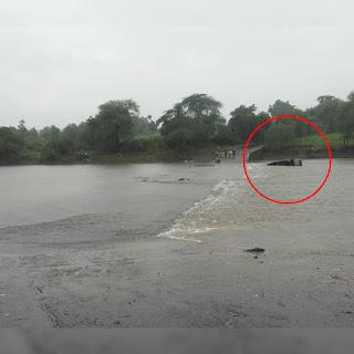 यात्रियों से भरी तूफान बही नदी में, सभी यात्री सुरक्षित