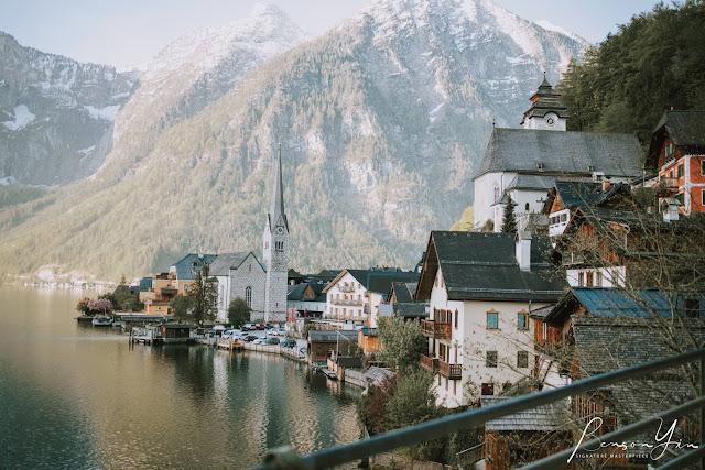Hallstatt austria snowy mountains