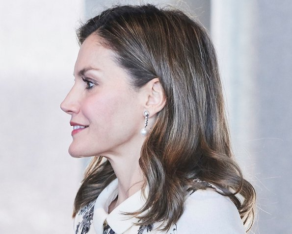 Queen Letizia wore Felipe Varela dress. Magistral Action 2017 Award at BBVA city, TOUS Jewelry pearl earrings
