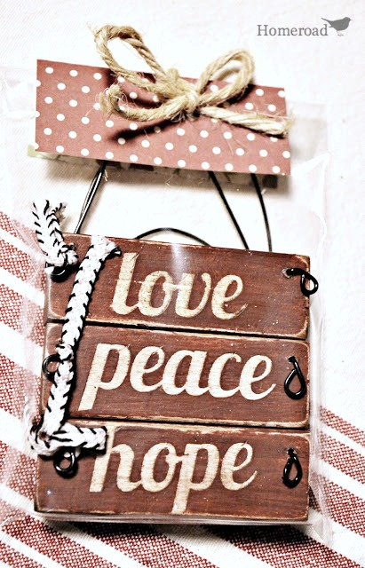 DIY repurposed rustic jenga block ornaments for Christmas. Homeroad.net