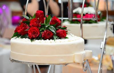 جزء,من,كعكة,الأمير,تشارلز,وديانا,في,مزاد,علني