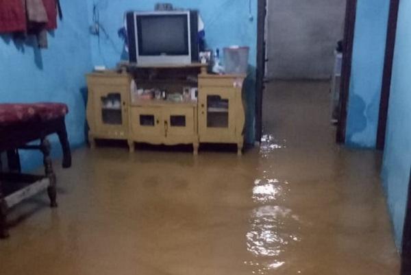 Lebak Banjir, Jembatan Putus dan Puluhan Rumah Terendam Hampir 1 Meter
