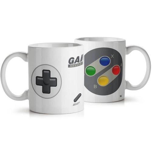 Caneca Joystick Gamer Needs Coffee