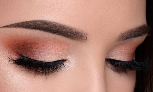 Maquillaje de ojos natural para Nochebuena