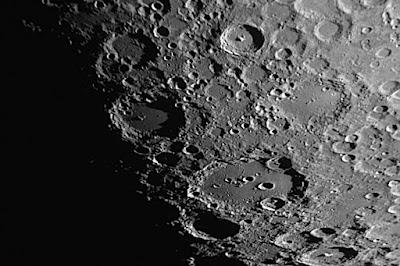"""Lluna, cràters """"Tycho"""", """"Longomontanus"""" i """"Clavius"""""""