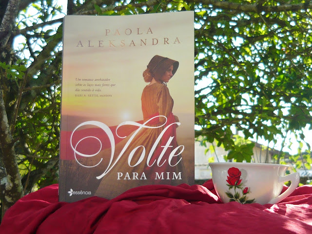 https://livrosvamosdevoralos.blogspot.com/2018/07/resenha-volte-para-mim-de-paola.html