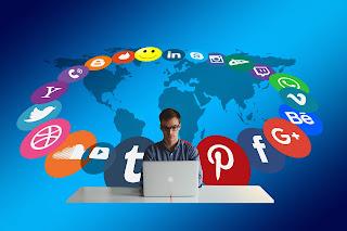kekurangan dan kelebihan memimiliki banyak akun sosial media di internet