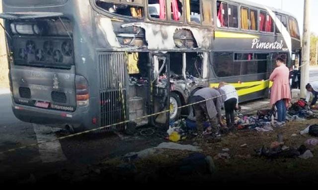 Ônibus com turistas que seguia de Minas para Bahia pega fogo na BR-116